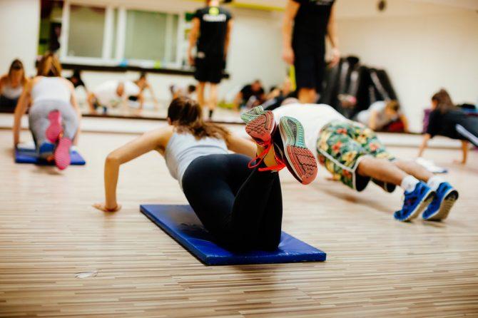 最強瘦身運動對決!HIIT vs Aerial Yoga vs 鋼管舞