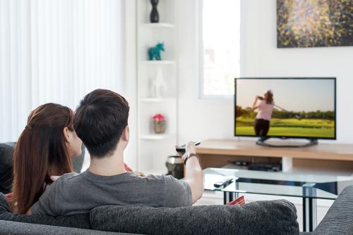 懶真係會生癌?研究發現每天看超過1小時電視或增加患大腸癌風險