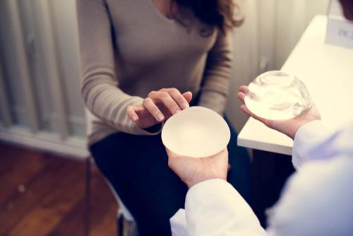 隆胸物料有致癌風險?