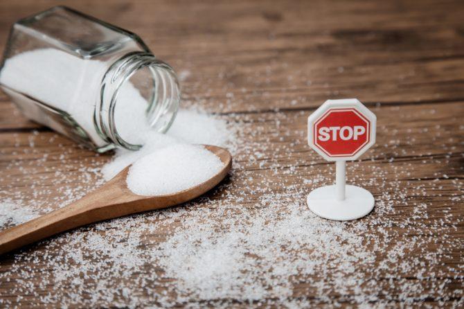 戒糖饿死癌细胞无科学根据