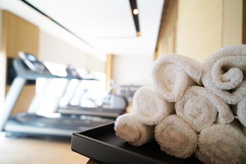 健身中心中招 醫生示範點做最安心 自備毛巾比戴口罩更重要